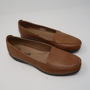 Womens Clarks Soft Cushion Brown Loafers Size 8.5